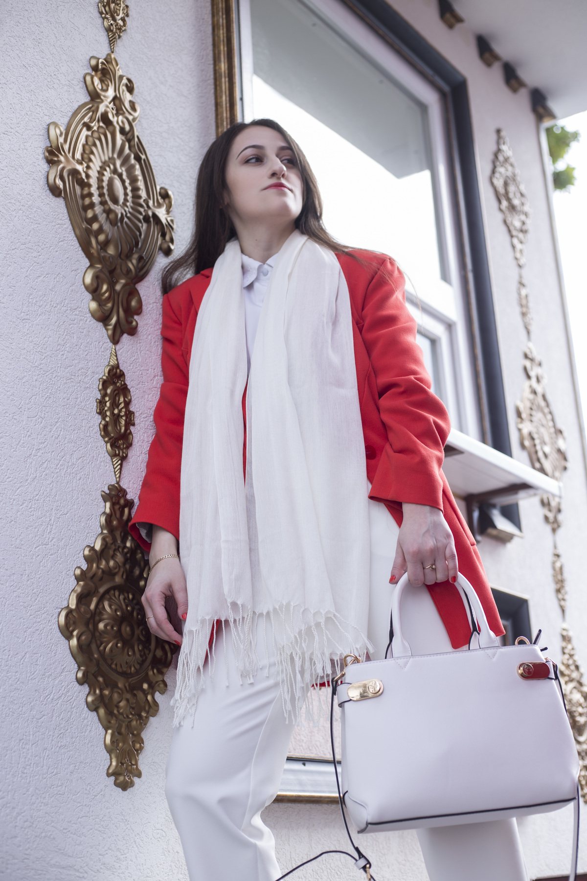 """How do you deal with the """"what to wear"""" dilemma given the inconsistent autumn temperatures? Read more to find out my answer to that question. For the third look of """"The Scarf Project"""" I am showing you the best and fastest way to dress up on bipolar autumn mornings."""